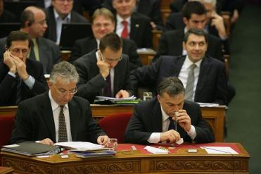 20101223parlament36