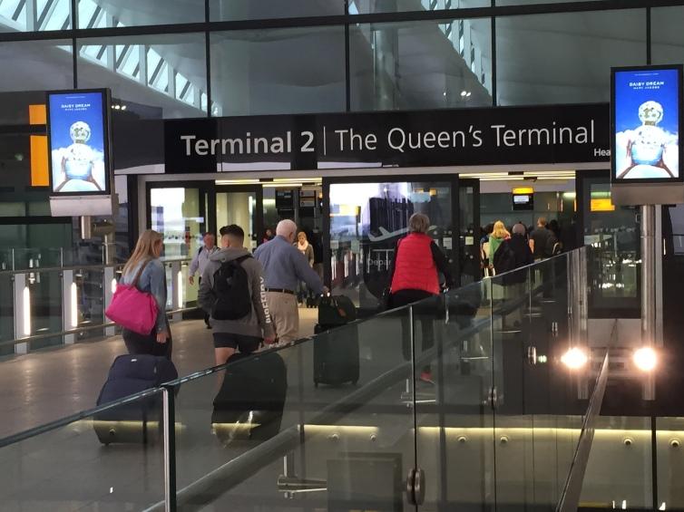 departure_hall_entrance2c_london_heathrow_terminal_22c_uk_-_20150621