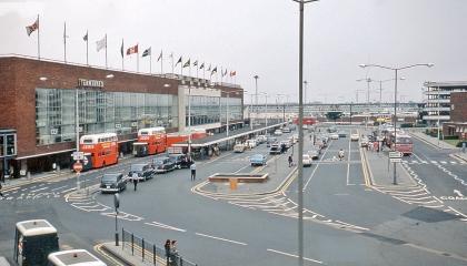 Terminal 2, 1975-ben