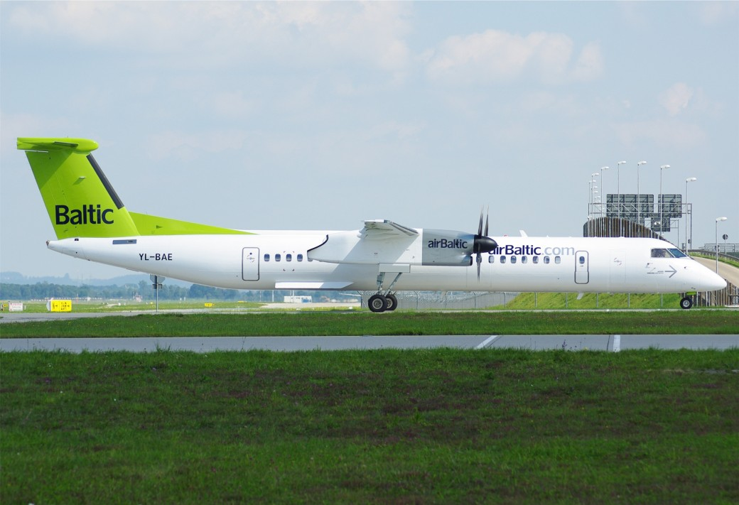 05-09-10_muc_air_baltic_dash8-q400_yl-bae_4960630236