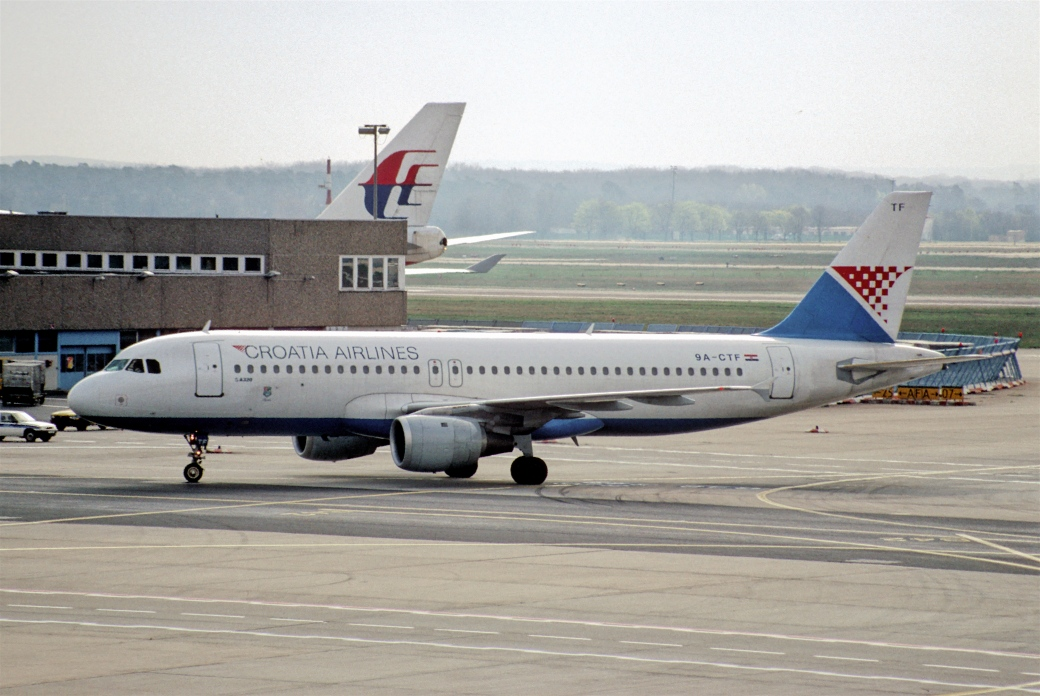 18bc_-_croatia_airlines_airbus_a3203b_9a-ctf40fra3b01-04-1998_28472325009729