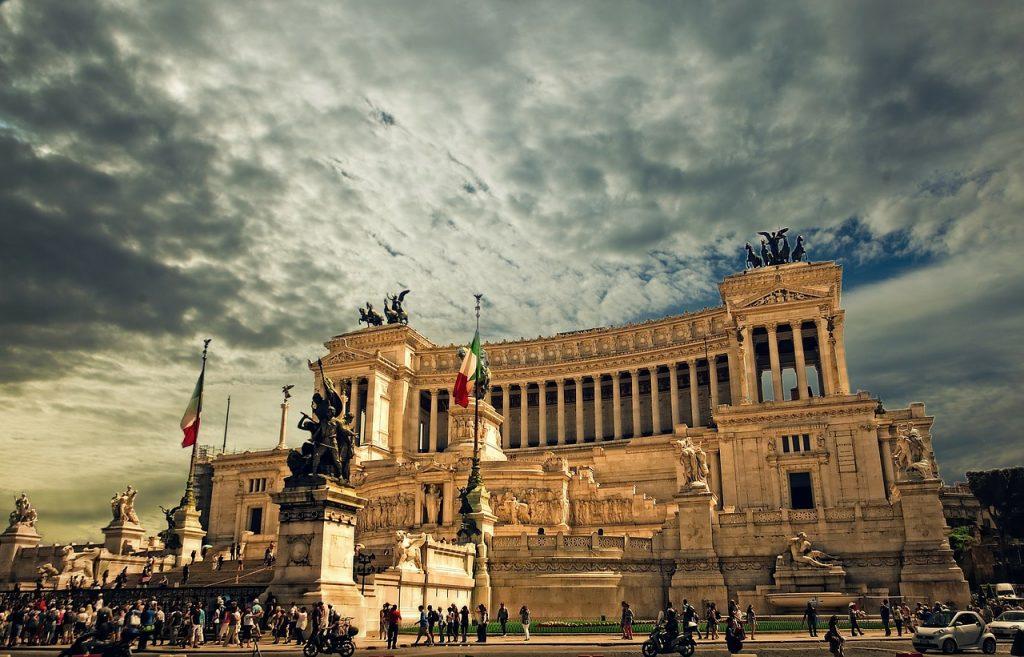 vittorio-emanuele-monument-298412_1280-1024x657