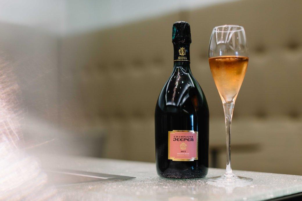 Jeeper Champagne